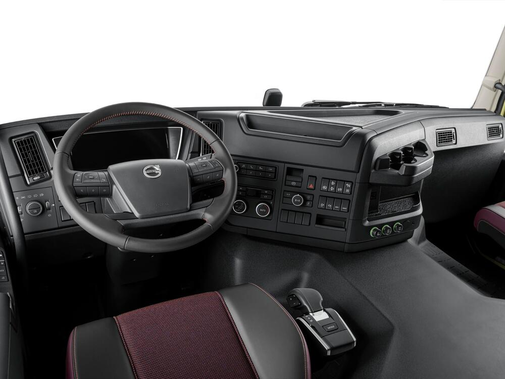 bluekens-volvo-fmx-interieur-dashboard